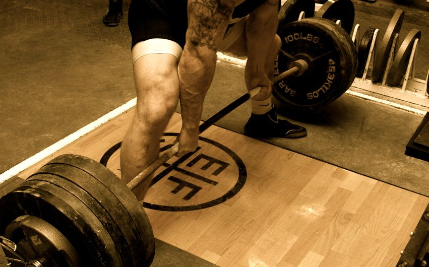 How I Added 100 Pounds to my Deadlift in 10 Months