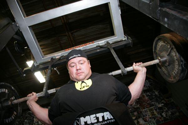 metal-squat