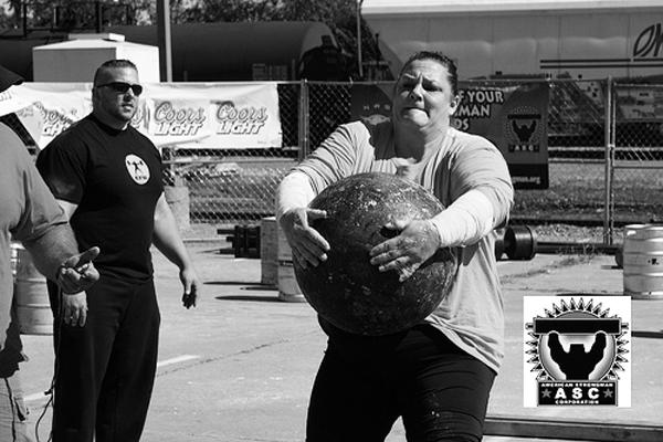 amy wattles strongwoman stones 051414