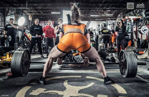 Cambered bar, my most hated bar, box squats (video)