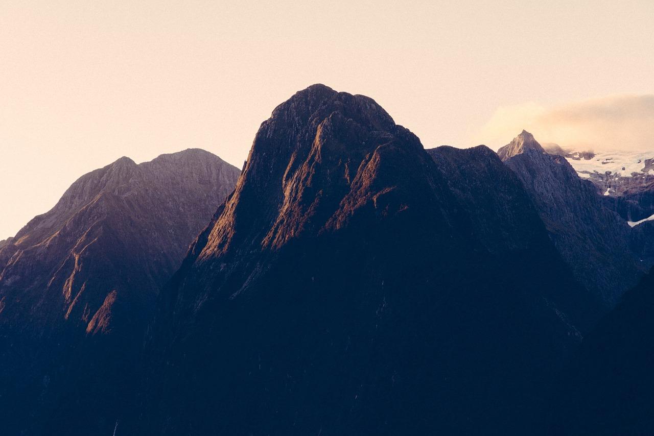 mountains-691537_1280