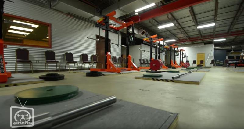 powerlifting meet warm up room