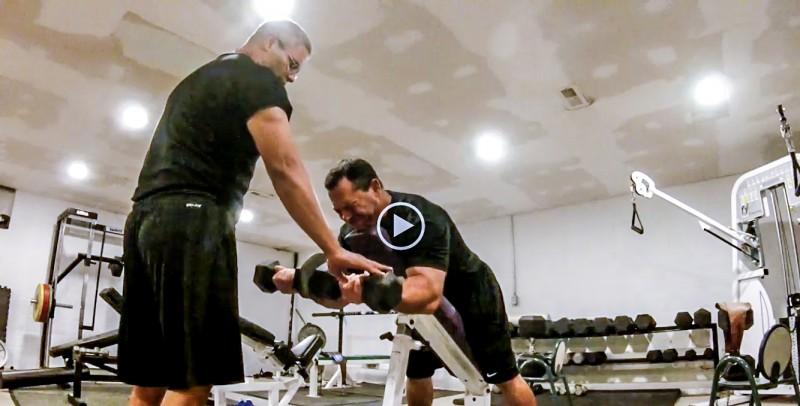 biceps plate between
