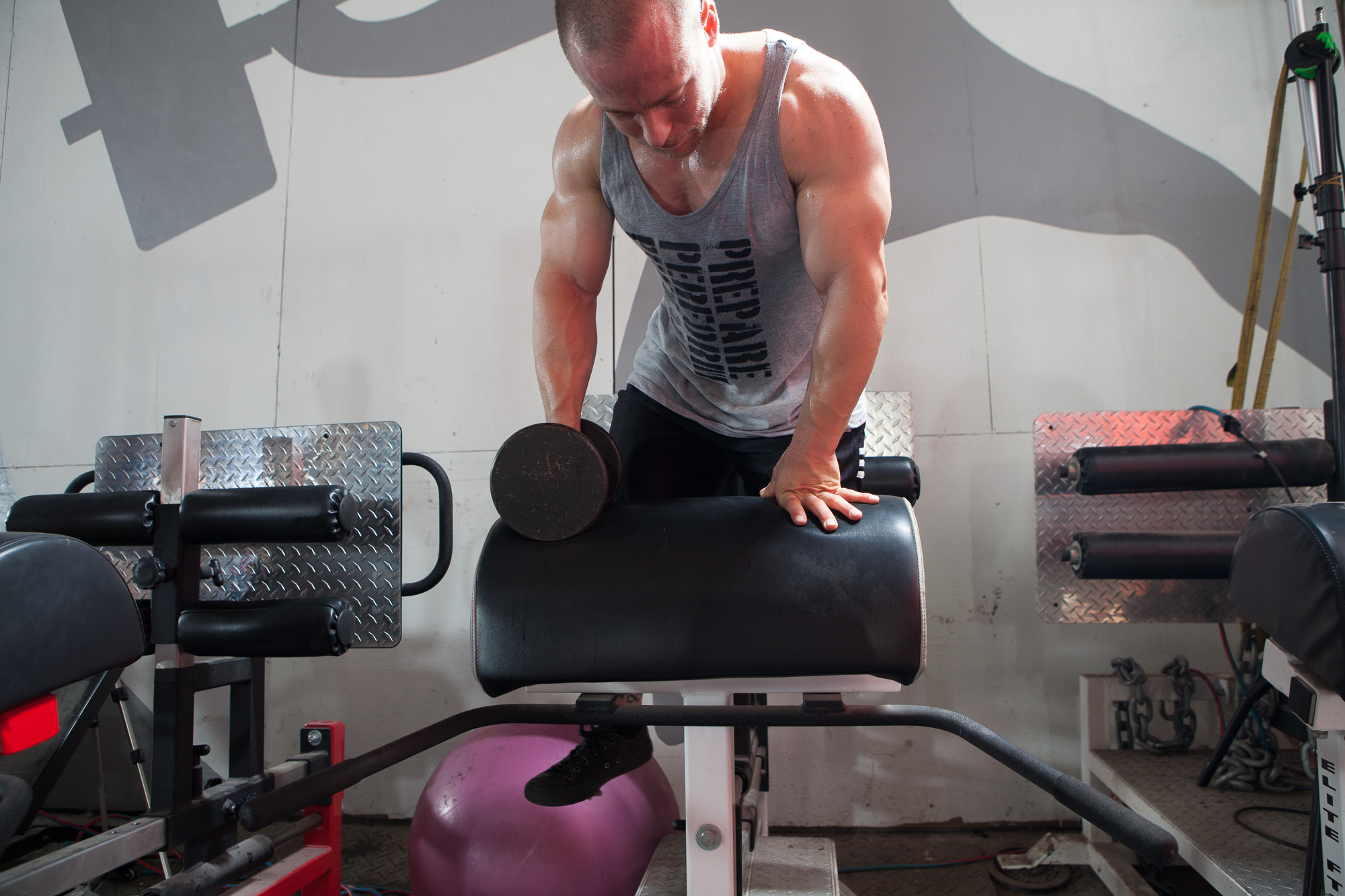 Bodybuilding day leg day garage gym style elite fts