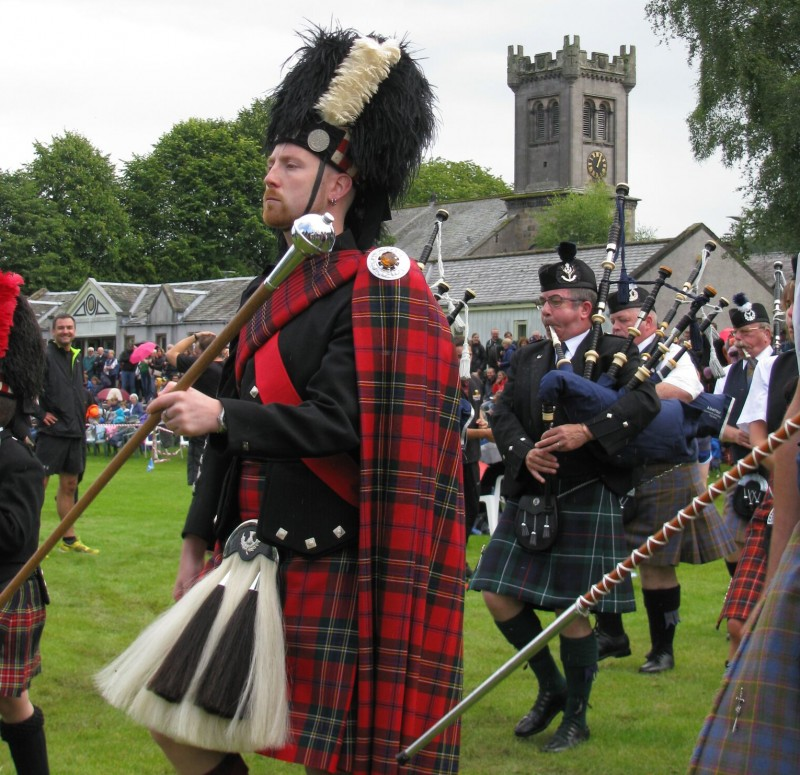 pipes and drums at aberlour