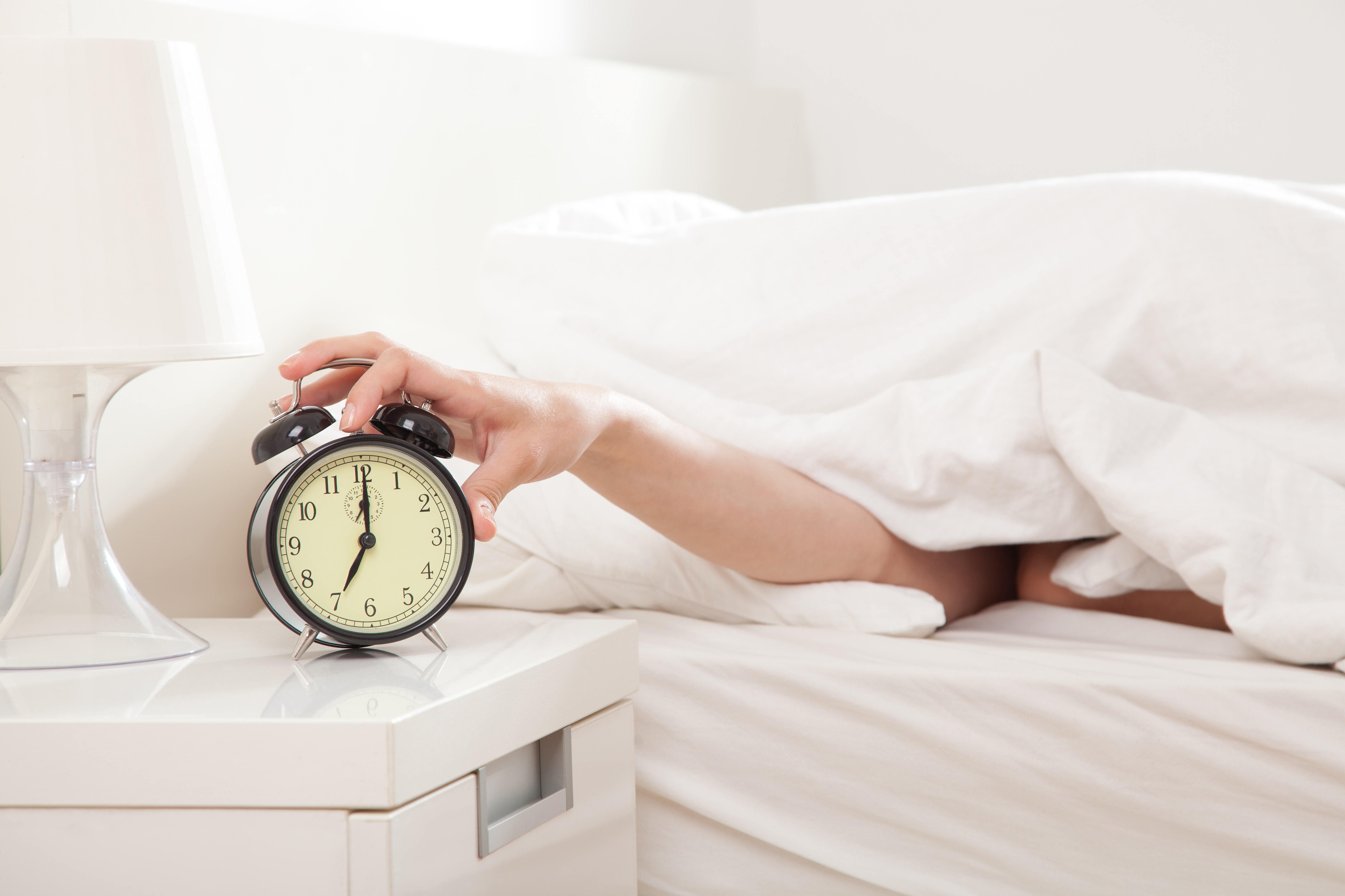 If You Snooze, You'll Lose Fat and Boost Your Productivity