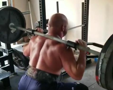 Squat without shoulder pain!