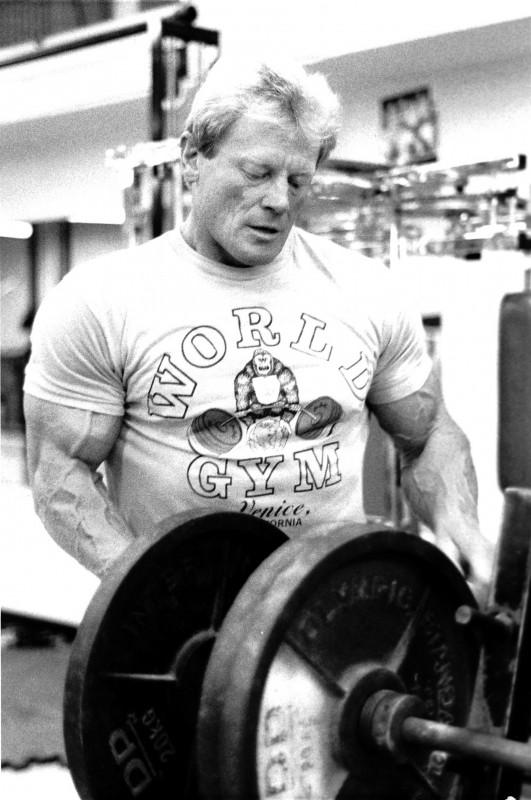 Dave-Draper-courtest-of-Laree-Draper-World-Gym-Shirt-photo-e1536327563913