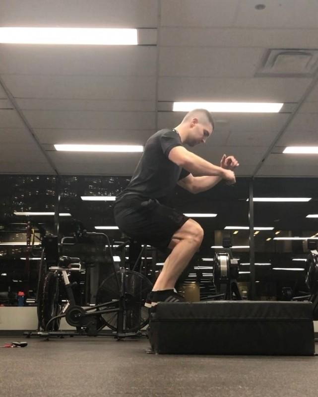 Two leg box jump landing