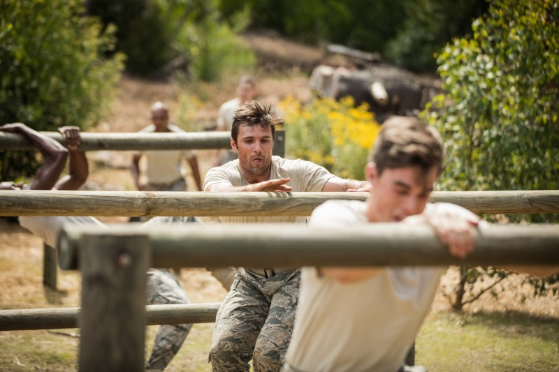 "<img src=""fitness-trail.jpg""alt=""soldiers-strength-training""/>"
